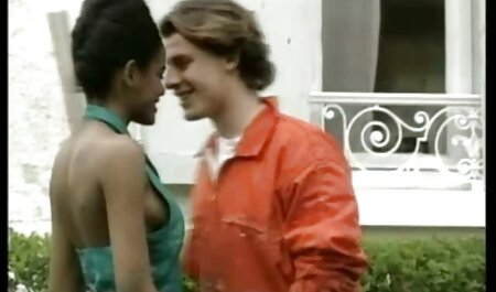 Nicole es dominada por un gran semental y luego recibe hentai audio latino creampie