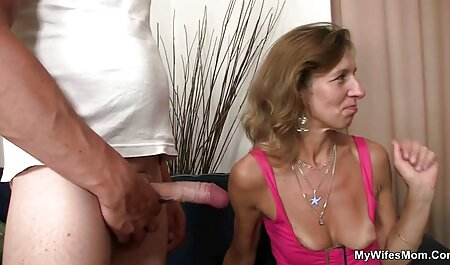 Cornudo mira y luego limpia el coño anime sub español porno rechoncho de la esposa caliente